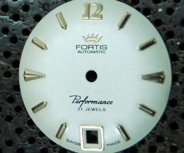 Fortis Performance, restauración de la esfera o dial