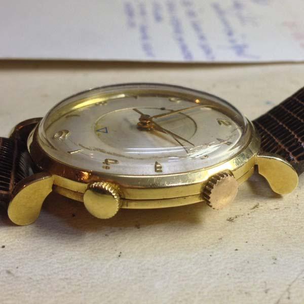 LeCoultre Memovox reloj despertador_03