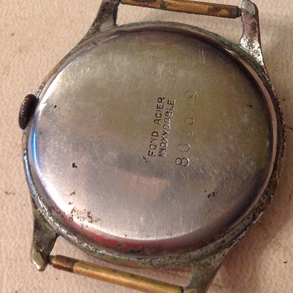 Dogma-Prima-restauracion-reloj-numeros-arabes_00