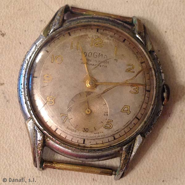 Dogma-Prima-restauracion-reloj-numeros-arabes_01