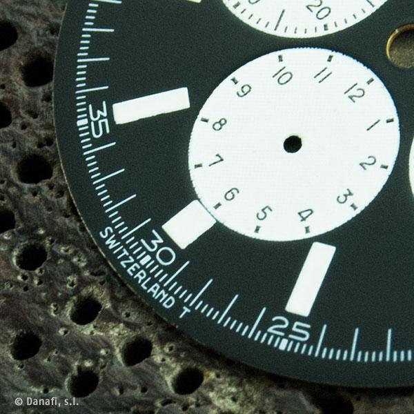 Movado-Super-Sub-Sea-watch-dial_05