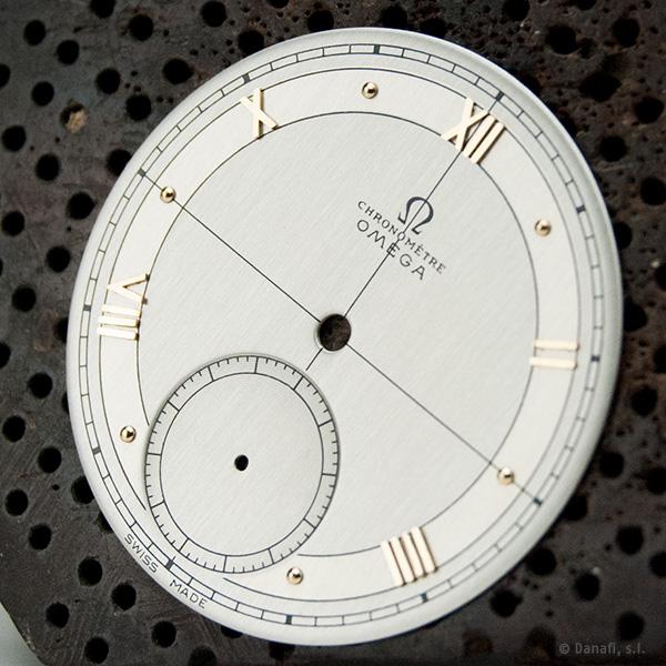 Restauración Omega chronomètre esfera, dial o cuadrante doble-tono restaurada en Danafi, Barcelona