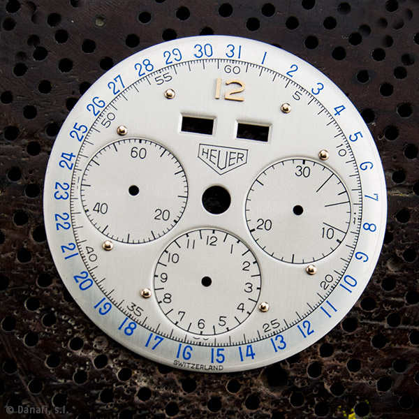 Esfera de reloj Cronómetro Heuer después de proceder con la restauración