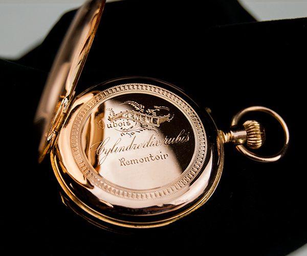 Restaurar y reparar reloj bolsillo de oro enfermera