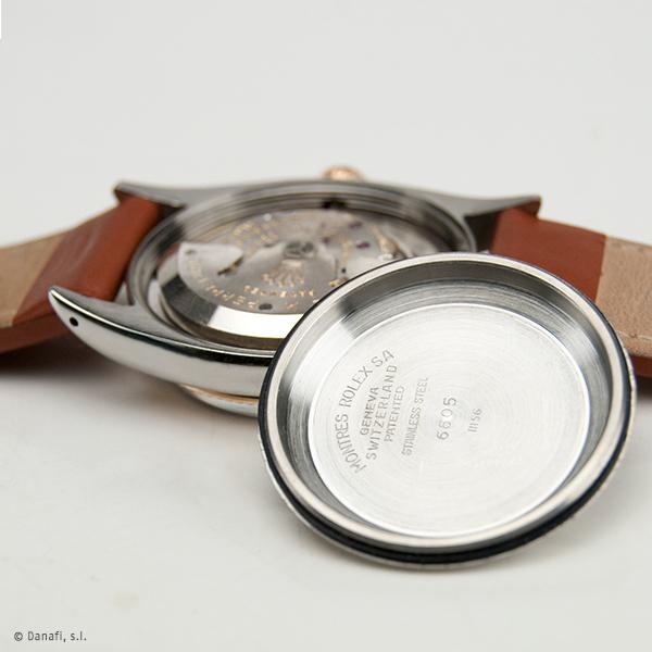 Servicio de mantenimiento y puesta a punto máquina de reloj Rolex.Pulir y restaurar caja de reloj Rolex. Servicio técnico Rolex. Restauraación y reparación reloj Rolex DateJust Danafi
